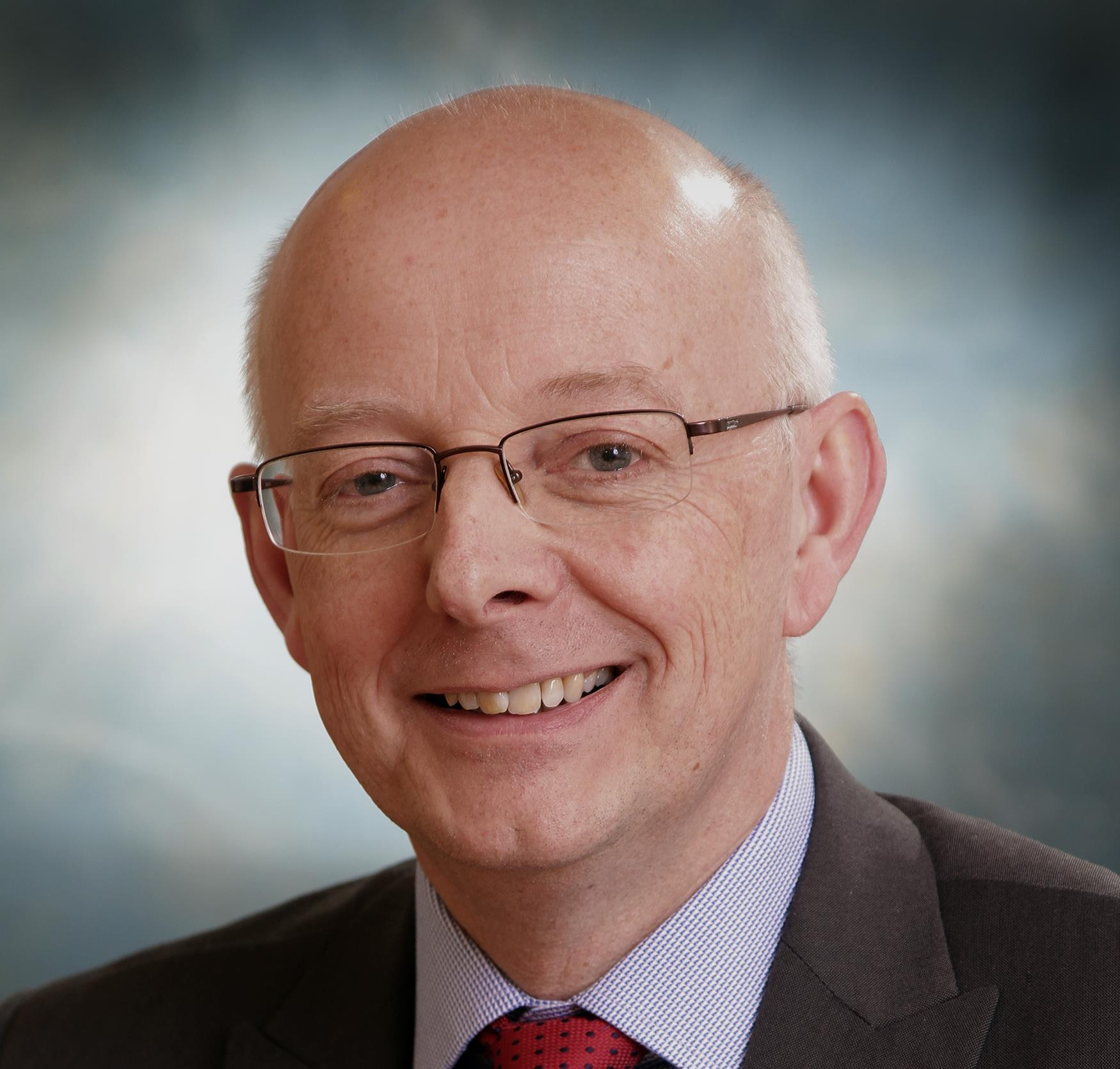 Teaching trust's long-standing medical director to retire
